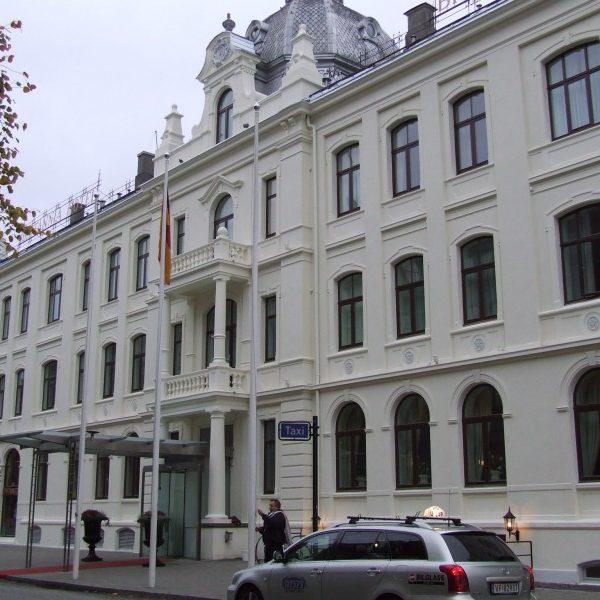 Fasaderehabilitering - Britannia Hotel